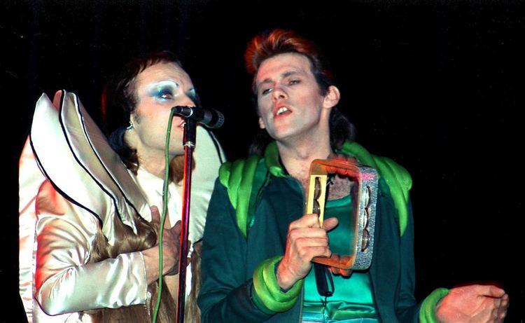 Andy Mackay 1973 6 Brian Eno Andy Mackay Flickr Photo Sharing