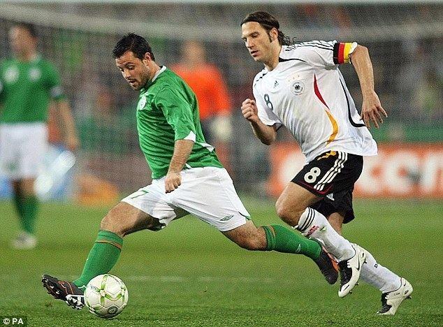 Andy Reid (Irish footballer) Andy Reid belongs in Ireland side his sacking by