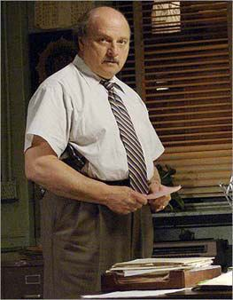Andy Sipowicz 1000 images about Det Sipowicz on Pinterest Dennis franz Short