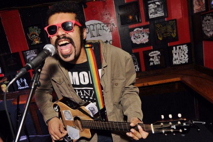 Andy Warpigs Folkpunk rocker Andy Warpigs highlights Phoenixs evolving music