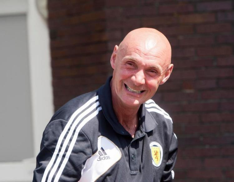 Andy Watson (footballer, born 1959) httpswwwthescottishsuncoukwpcontentupload