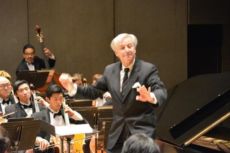 Angel Gil-Ordoñez Angel GilOrdez conductor Chesapeake International Arts
