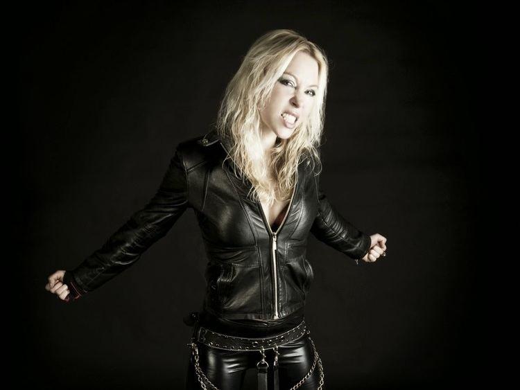 Angela Gossow Metal Spirit Angela Gossow deja de ser la vocalista de