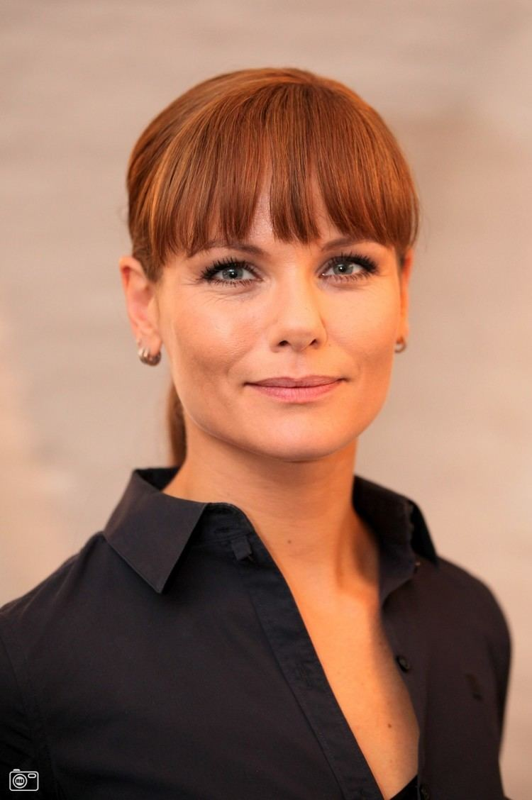 Angela Schijf Angela Schijf Angela schijf Pinterest Televisions Actresses
