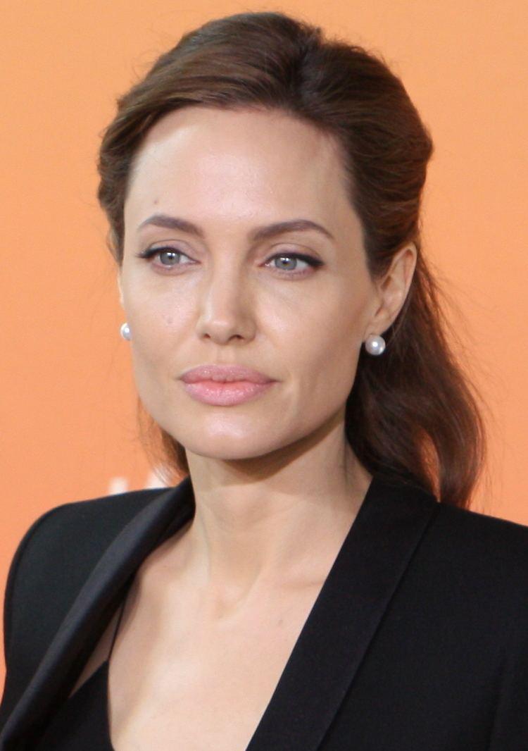 Angelina Jolie Angelina Jolie Wikipedia the free encyclopedia
