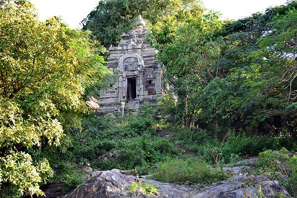 Angkor Borei and Phnom Da Angkor Borei Pheak39s Temple Town Tours Koh Ker Temple Town Tours