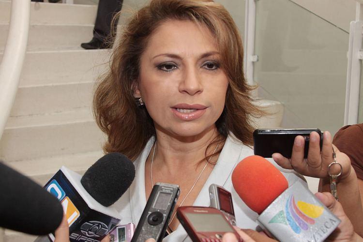 Angelica Araujo Lara Arrendamiento de lmparas cont con aval Anglica Araujo