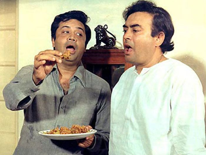 Angoor (1982 film) movie scenes Deven Verma played the role of a shady book publisher named Parveen Chandra Shah in the 1975 film directed by Brij He won the Filmfare Best Comedian award