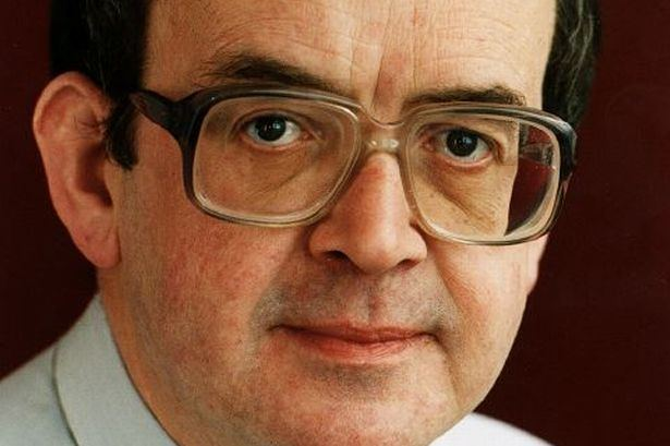 Angus MacLeod (politician) Angus Macleod former political editor of the Sunday Mail dies of