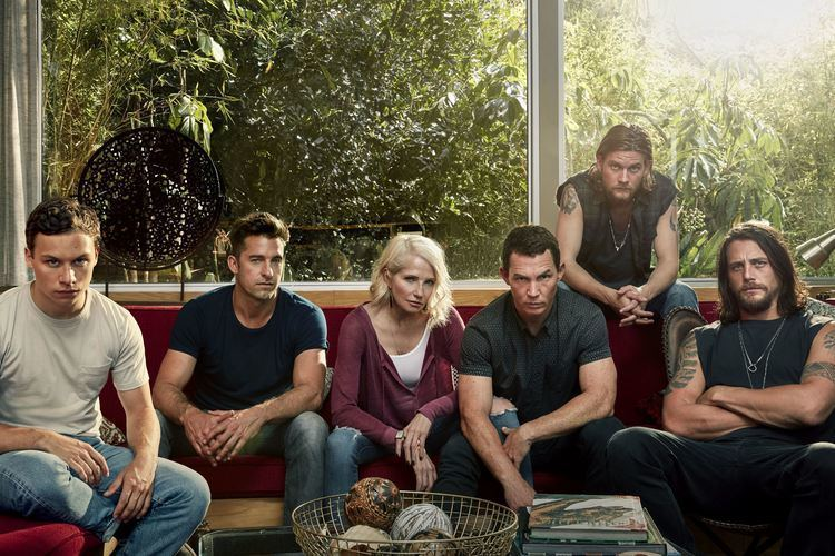 Animal Kingdom (TV series) Tuned In Dark drama and dysfunctional family in TNT39s 39Animal
