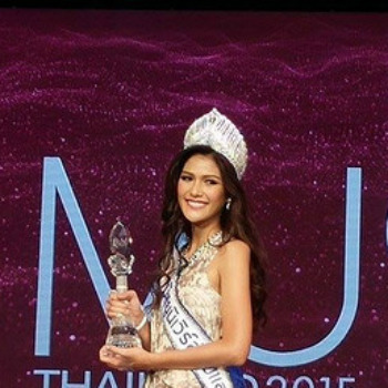 Aniporn Chalermburanawong Aniporn Chalermburanawong crowned Miss Universe Thailand
