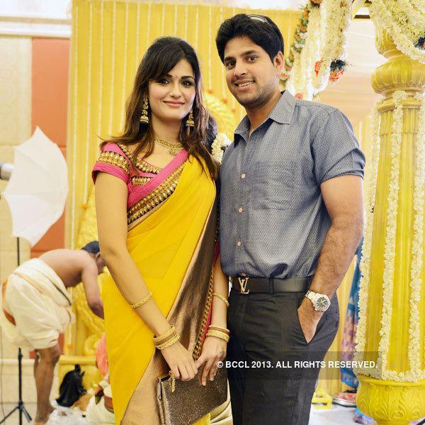Anirudha Srikkanth Aarthi and Anirudha Srikkanth pose together during L