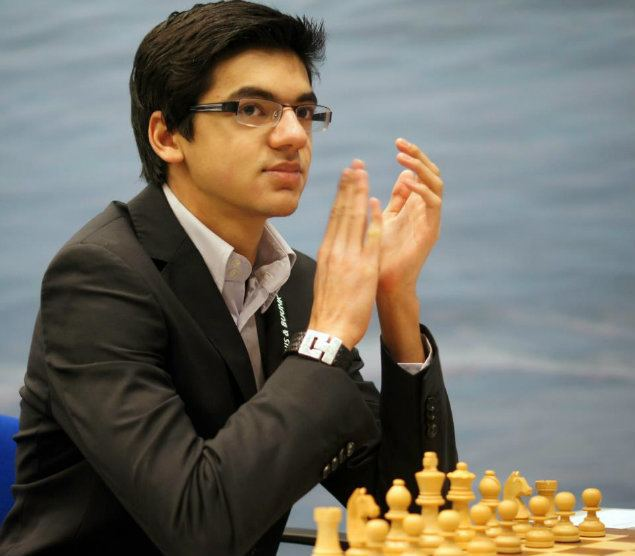 Anish Giri Giri edges past Bok after scuffling Essentially Sports