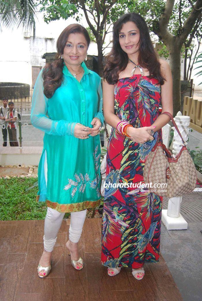 Anita Kanwar Anita Kanwar amp Pooja KanwarJaspreet Gulati Launches His