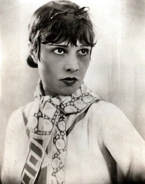 Anita Loos Book club brings the Roaring 3920s to Stanford with Anita