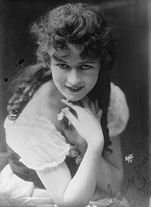 Anita Stewart httpsuploadwikimediaorgwikipediacommonsthu