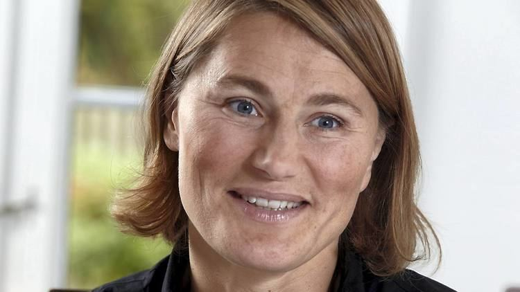 Anja Andersen Kom indenfor Anja Andersen stter sin villa til salg