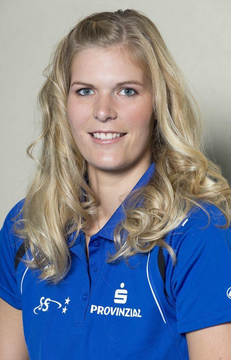 Anja Brandt Autogrammstunde mit Anja Brandt vor dem Heimspiel gegen den Dresdner