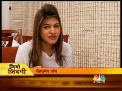 Anjali Mukerjee Anjali Mukerjee giving tips for healthy lunch YouTube