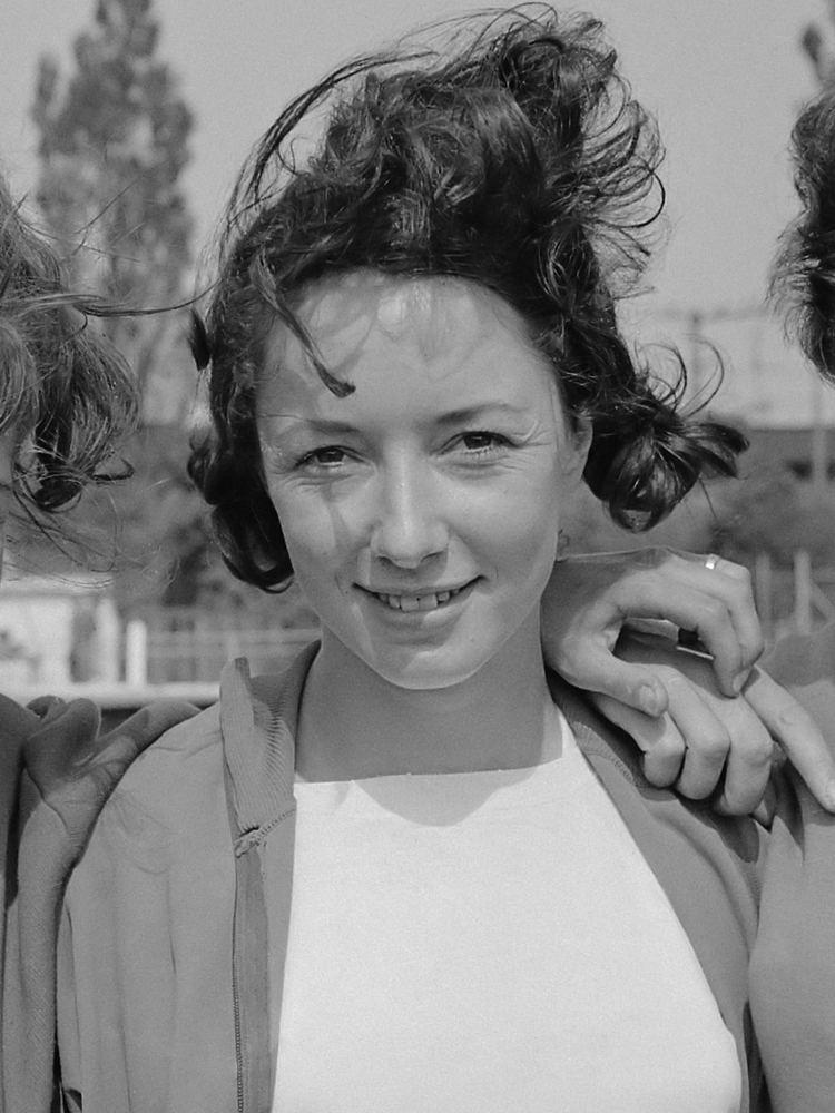 Ann Packer httpsuploadwikimediaorgwikipediacommonsee