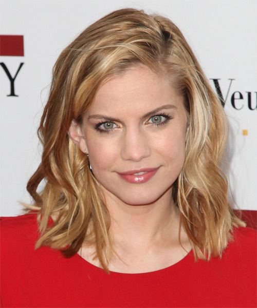 Anna Chlumsky Anna Chlumsky Hairstyles Celebrity Hairstyles by