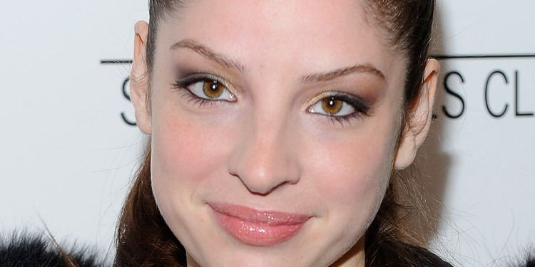 Anna Hopkins Beloved Starlet Anna Hopkins Nails It in SyFy39s 39Defiance