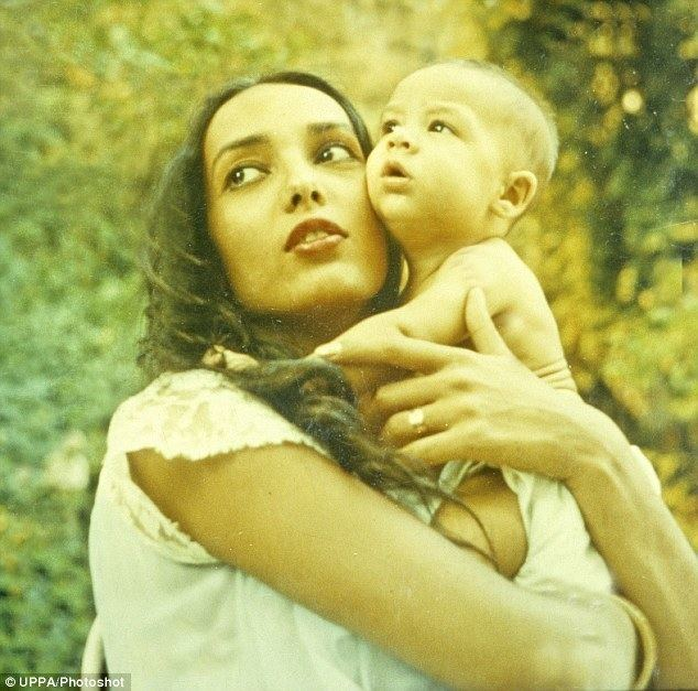 Anna Kashfi Marlon Brando39s family caught up in battle over eldest