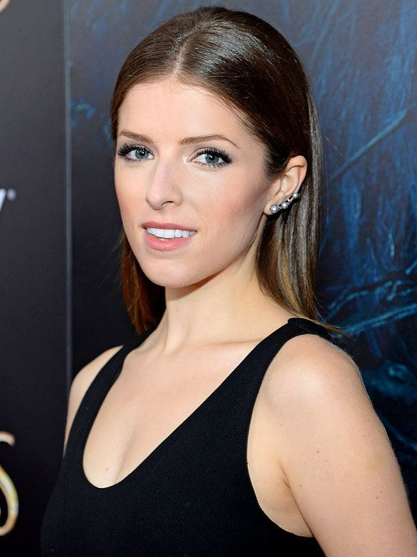 Anna Kendrick It39s Time To Go Shopping in Anna Kendrick39s Beauty