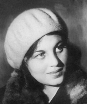 Anna Larina httpsuploadwikimediaorgwikipediaen884Ann