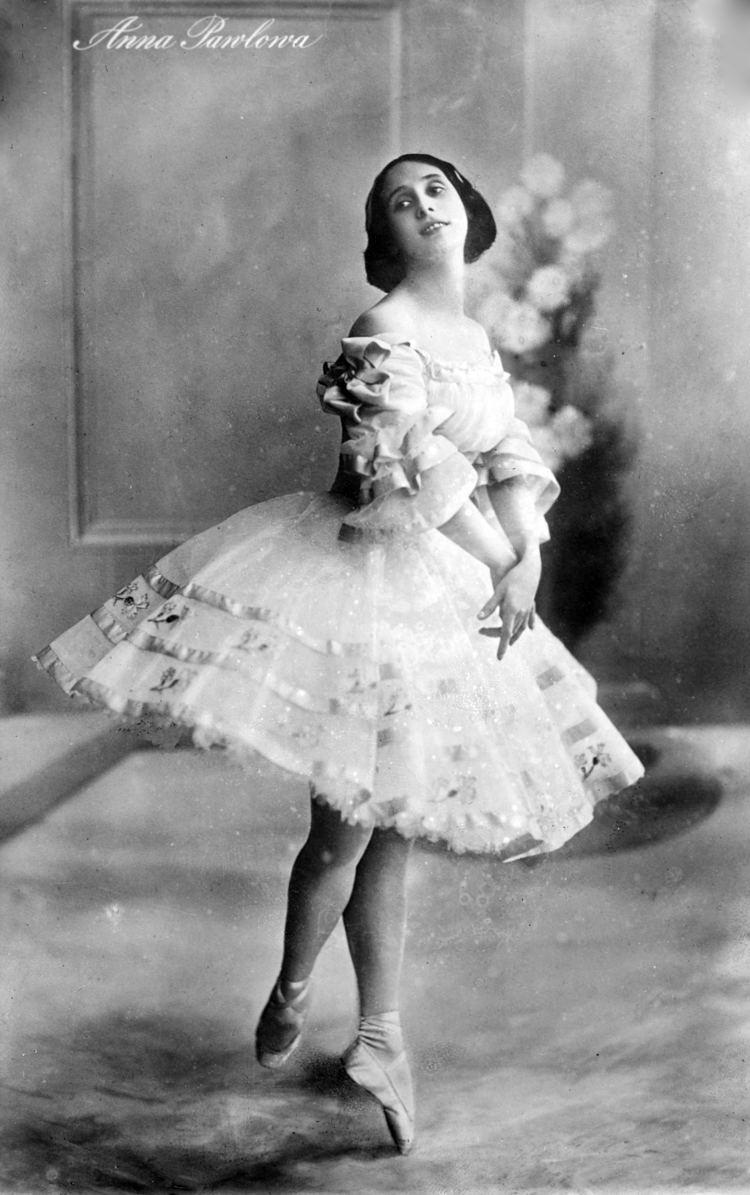 Anna Pavlova httpsuploadwikimediaorgwikipediacommons00