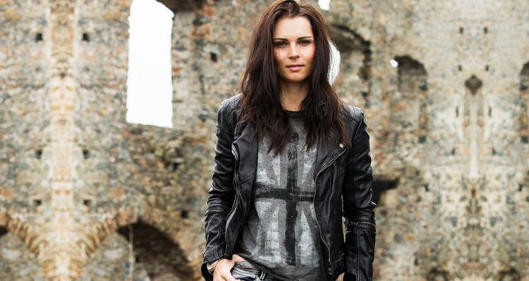 Anna Veith Official website of Anna Veith Born for Speed