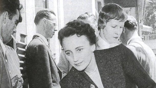 Anne Desclos Im Schatten der O Subregister Geisteswissenschaften FAZ