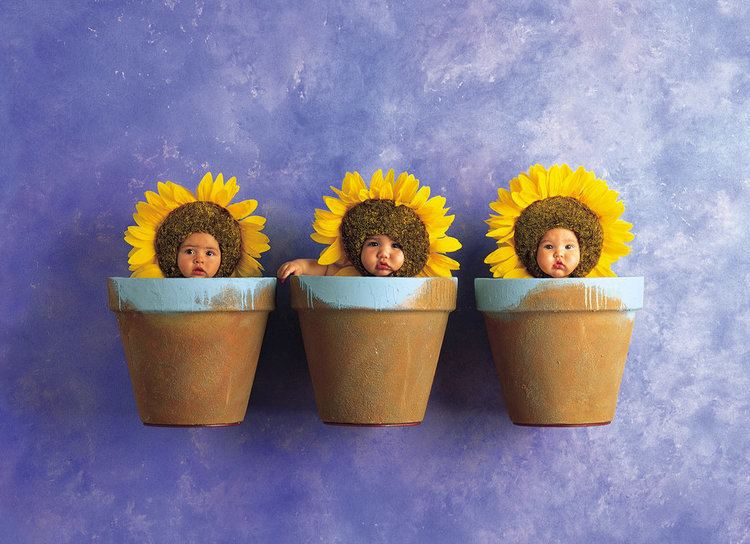 Anne Geddes Anne Geddes The Photographer Who Put Babies In Flower Pots Is