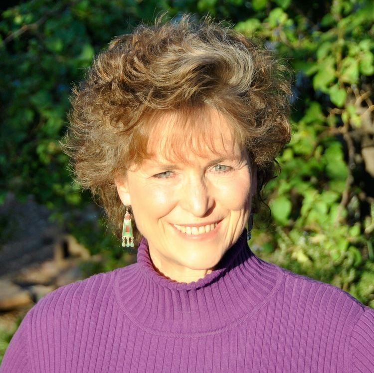 Anne Montgomery 4bpblogspotcomQX1z3jcAvPgUzdVmsqCpgIAAAAAAA