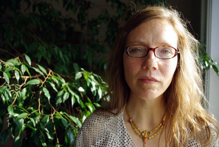 Anne Pierson Wiese POEM WEDNESDAY Peeling Apples by Anne Pierson Wiese The Antioch