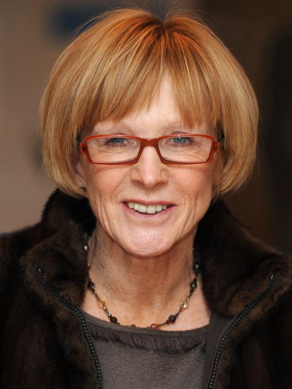 Anne Robinson Anne Robinson facing 50 per cent pay cut at BBC News
