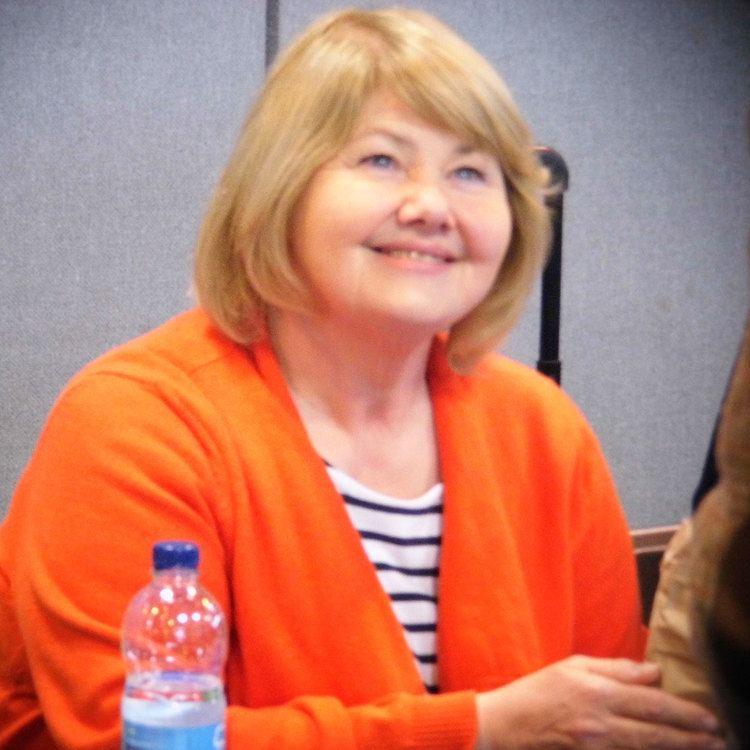 Annette Badland httpsuploadwikimediaorgwikipediacommons44