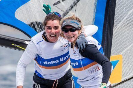 Annette Duetz Zeilsters Annemiek Bekkering en Annette Duetz winnen Sofia Cup in de