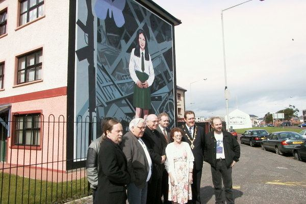Annette McGavigan CAIN the bogside artists Annette McGavigan mural being unveiled