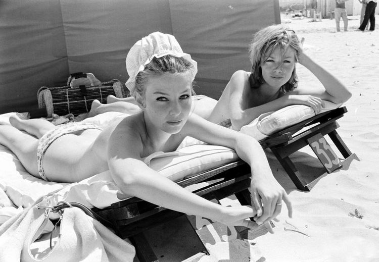 Annette Stroyberg Danish actress Annette Stroyberg sunbathing with a friend