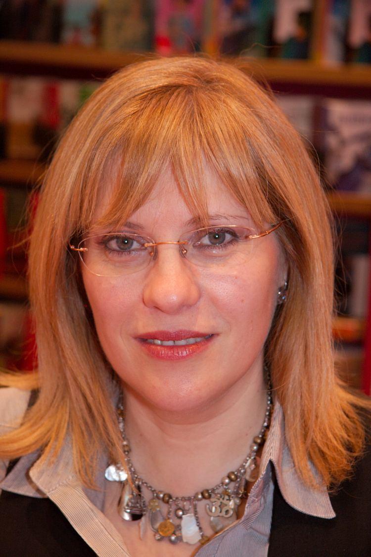Annie Pietri FileAnnie Pietri 20080315 Salon du livre 1jpg