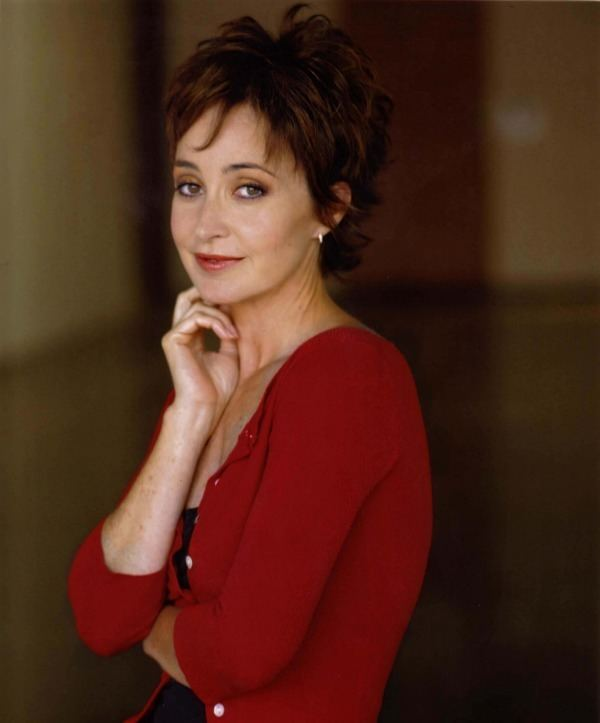 Annie Potts Annie Potts Empty Nester Returns to Her Theatrical Roots