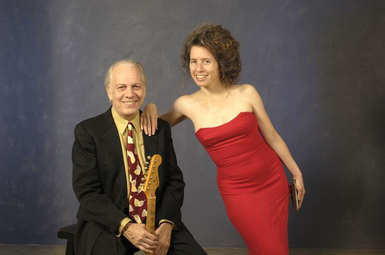 Annie Raines BNL Newsroom Guitar and Harmonica Duo to Perform at Brookhaven Lab