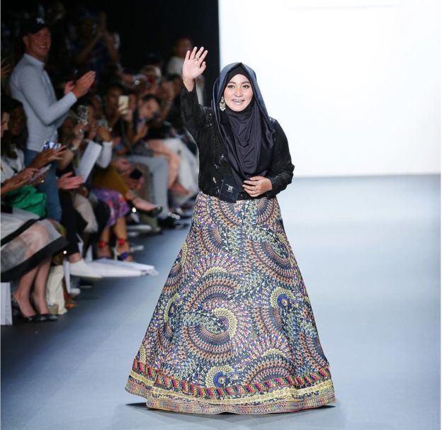 Anniesa Hasibuan The moment hijabs dazzled the New York Fashion Week catwalk BBC News