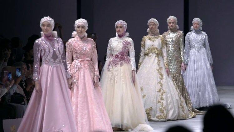 Anniesa Hasibuan Anniesa Hasibuan at Indonesia Fashion Week 2016 Present PEARLASIA