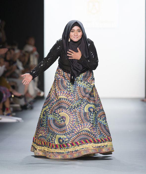 Anniesa Hasibuan Muslim fashion designer Anniesa Hasibuan makes HISTORY with hijab