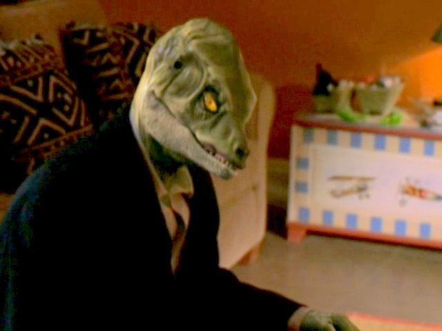 Anonymous Rex (film) movie scenes Detective Rubio unguised