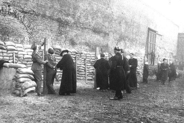 Ans van Dijk Ans van DijkJewish Nazi collaborator History of Sorts