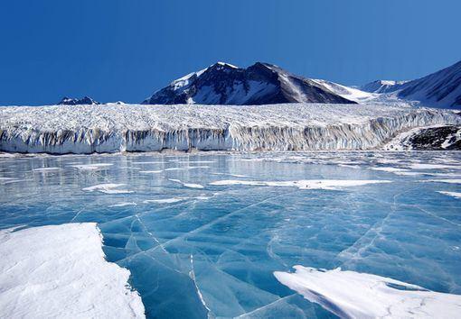 Antarctica wikitravelorguploadsharedthumbeeaLakeFryx