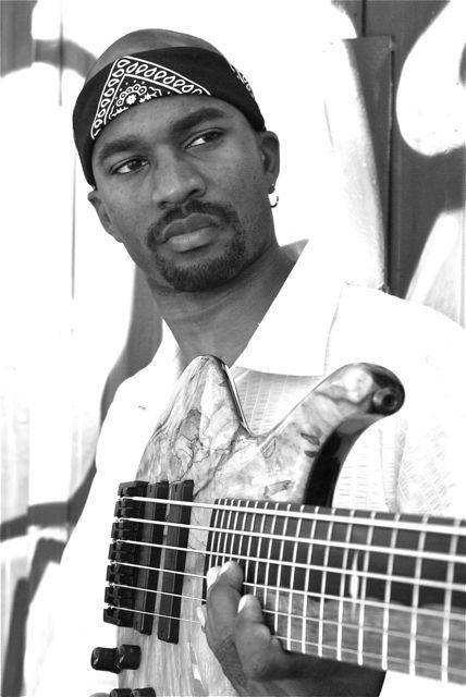 Anthony Crawford (bass musician) bluewhalemusicfileswordpresscom201301anthony